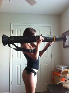 Hot and Sexy Girls Sporting Military Gear and Guns. Funny Videos, Pinup, Vie Simple, Survival, Fire Powers, Military Women, Big Guns, Guns And Ammo, Firearms