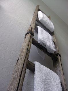 ClothesPeggS: Wabi Sabi - Compositions and Interiors Old Ladder, Rustic Ladder, Wooden Ladder, Wooden Stairs, Vintage Ladder, Wabi Sabi, Bathroom Towel Decor, Bathroom Ideas, Concrete Bathroom