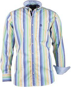 Langarmhemd aus der Del Garda Kollektion von CLAUDIO CAMPIONE. Das modische Herrenhemd besticht durch die praktische Brusttasche mit Logo Stickerei, den angesagten Button Down Kragen und durch den hochwertigen Besatz auf der Knopfleiste.