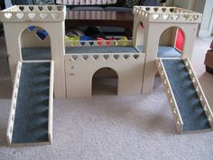 Bunny Castle Set Heart design by BunsBedsAndBeyond on Etsy Diy Bunny Cage, Bunny Cages, Rabbit Cages, Bunny Beds, Bunny Room, Guinea Pig Toys, Guinea Pigs, Rabbit Litter, Litter Pan