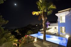 Luxury Pools, Lounge, Unique, Creative, Color, Design, Luxury Swimming Pools, Airport Lounge, Drawing Rooms