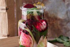 Kvašená zelenina | Apetitonline.cz Thing 1, Mason Jars, Vegetables, Food, Essen, Mason Jar, Vegetable Recipes, Meals, Yemek