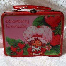 RARE VINTAGE 1980'S STRAWBERRY SHORTCAKE SMALL TIN LUNCHBOX