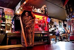 The Most Eye-Catching Theme Bar in Every State