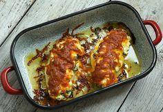 Spenótos-ricottás bevagdosott csirkemell recept képpel. Hozzávalók és az elkészítés részletes leírása. A spenótos-ricottás bevagdosott csirkemell elkészítési ideje: 45 perc