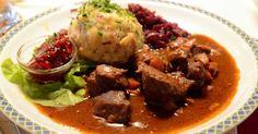 Slow Cooker Four-Ingredient Beef in Gravy :http://recipes4slowcooker.com/slow-cooker-four-ingredient-beef-in-gravy/