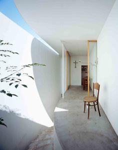 Gallery Post // Love House by Takeshi Hosaka Architects | http://www.yellowtrace.com.au/takeshi-hosaka-love-house-japan/