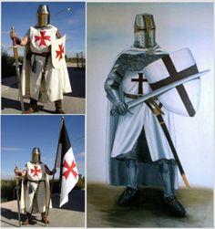 Vestimenta de los hombres Templarios. El escudo y espada en manos eran parte de su vestimenta ya que eran usados en las guerras.