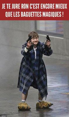 When You've Had Enough Of Voldemort And Start Using Modern Wands - Funny Memes. The Funniest Memes worldwide for Birthdays, School, Cats, and Dank Memes - Meme Harry Potter Animé, Harry Potter Humour, Pub, Crazy Funny Memes, Voldemort, Drarry, I Love To Laugh, Fantastic Beasts, Fandoms