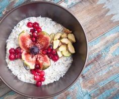 Ovesná kaše s kokosem Healthy Food To Lose Weight, Healthy Food List, Healthy Baking, Healthy Foods To Eat, Healthy Snacks, Health Breakfast, Easy Healthy Breakfast, Breakfast For Kids, Breakfast Recipes