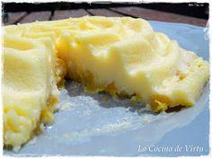 Pastel de yogur y melocotón.