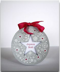 A round card. The ribbon and gems are more pink in real life..  underconstruction-agata.blogspot.com