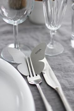 Festive butterfly name place setting. Would be cute in spring colors for Easter: