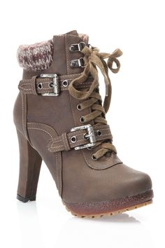 Winter Warm Lace Up Boot In Brown.