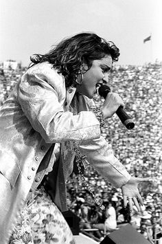 MADONNA BACK IN THE DAY......A REAL IMPACT ON THE MUSIC AND STYLE SCENE  Madonna by Robert Matheu (1985) Live Aid