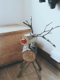 Рождество Christmas Log, Christmas Time, Christmas Crafts, Christmas Ornaments, Wood Crafts, Diy And Crafts, Crafts For Kids, Wood Reindeer, Log Projects