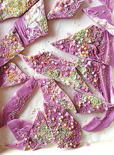 Como hacer decoraciones de chocolate con sprinkles