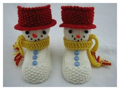 knitting patterns toys The Snowman Baby Booties Knitting Pattern is a quick knit, worked flat on two needles with either a garter stitch or ribbed fold back cuff. Knitted Baby Boots, Baby Booties Knitting Pattern, Loom Knitting Patterns, Crochet Baby Booties, Knitting Socks, Knitted Hats, How To Start Knitting, Knitting For Kids, Gestrickte Booties