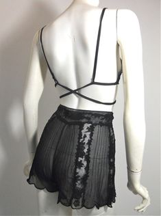 Vintage Lingerie. Love the back of the bra.