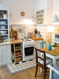 die holzige, kleine Küchenuhr....., Tags Altbau + Stuck + Holzdielen + Emaille + Cathrineholm + Rörstrand + Hamburger Fliesen + Historische ...