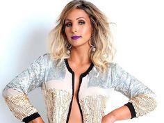 Neste domingo (24), a cantora Valeska Popozuda será a atração do projeto Deixa Rolar, no Espaço Giardino, a partir das 17 horas. Saiba mais informações no site www.arrozdefyesta.net.