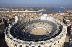 Arles offre un esempio eccezionale di adattamento di una  città antica alle civiltà dell'Europa medievale #RDVFrance #ViaggiFrancia #UnaSettimanaUnSito #ViaggiProvenza #Provenza #Francia #FranciaUnesco #FranceUnesco