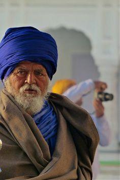 Sikhs at GOLDEN TEMPLE, Amritsar India by Susanne Lindner Nov. 2013