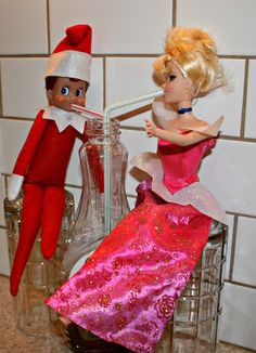 Terrific Snap Shots 10 Fun Elf on the Shelf Ideas! Concepts 10 Fun Elf on the Shelf Ideas! Christmas Elf, All Things Christmas, Xmas, The Elf, Elf On The Shelf, Naughty Elf, Hiding Spots, White Elephant Gifts, Shelf Ideas