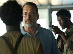 """Tom Hanks é o capitão que se sacrifica para salvar a tripulação do navio diante de um ataque de piratas somalis em """"Capitão Phillips"""": bandidos com alma e chances de Oscar (Foto: Divulgação)"""