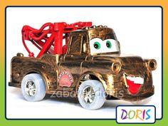 ZŁOMEK CARS - AUTKO ZDALNIE STEROWANE.     Super auto dla każdego małego fana bajki CARS.  Idealne autko do zabawy zarówno w domu jak i na zewnątrz.   Autko sterowane pilotem dołączonym do zestawu, bardzo dobrze się prowadzi.  Autko jeździ do przodu, do tyłu skręca w prawo i w lewo.  Autko Złomek dostarczy dziecku wiele wspaniałej i radosnej zabawy.  Razem z autkiem dziecko może odtworzyć ulubione przygody  bohatera bajki Cars !
