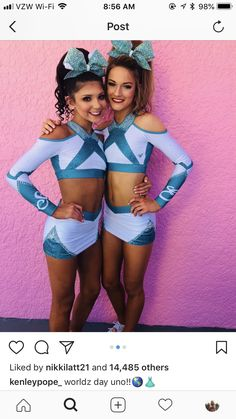 Cute Cheer Pictures, Cheer Picture Poses, Cheer Pics, Cheer Stuff, Cheerleading Pics, High School Cheerleading, Great White Sharks Cheer, Cheer Moves, Male Cheerleaders