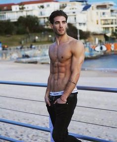 sydney still in love with this place Beautiful Men Faces, Beautiful Boys, Pretty Boys, Abs Boys, Photography Poses For Men, Muscular Men, Male Poses, Shirtless Men, Hot Guys
