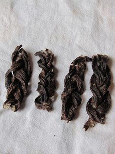 Homemade Dog Food DIY Beef Chews for your dog - Making my own dog treats since I read in the news that store brand treats from China are killing dogs! Puppy Treats, Diy Dog Treats, Homemade Dog Treats, Dog Treat Recipes, Dog Food Recipes, Dehydrator Dog Treats, Dog Chews, Dog Snacks, Diy Stuffed Animals