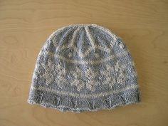 This hat uses a classic fair isle snowflake pattern. Or is it a flower? A snowflaker? A snowflower!