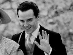 Sherlock BBC hes soo creepy! No, Kenna, hes not. Hes sexy. Jim Moriarty, Sherlock Bbc, Sherlock Quotes, Andrew Scott, Gotham, Sherlolly, John Watson, Pretty Men, Baker Street