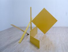 Sir Anthony Caro - Yellow Swing, 1965 painted steel x x cm. Geometric Sculpture, Abstract Sculpture, Sculpture Art, Steel Sculpture, Modern Sculpture, 60s Art, Anthony Caro, Bottle Cutting, Small Sculptures