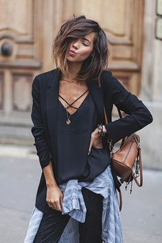 80 women's fashion trends for this winter/spring season! Fashion Mode, Love Fashion, Autumn Fashion, Fashion Looks, Fashion Outfits, Fashion Trends, Moda Outfits, Fall Outfits, Cut And Style