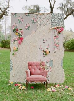 Vintage wallpaper and fabric form a shabby chic backdrop for wedding photos. This alternative photo booth is easy and inexpensive to construct, and adds a romantic setting for the bride and groom as well as wedding guests to snap memorable photos Bodas Shabby Chic, Shabby Chic Wedding Decor, Outdoor Photo Booths, Party Photo Booths, Event Photo Booth, Outdoor Photos, Diy Fotokabine, Fun Diy, Diy Photo Backdrop