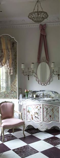 Love the ribbon tied mirror