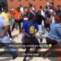 For real my school's lame Funny Video Memes, Funny Relatable Memes, Funny Tweets, Funny Facts, Funny Jokes, Funny Videos, Dance Choreography Videos, Dance Videos, Funny Dancing Gif