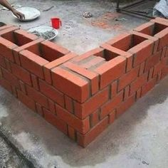 Rat Trap Bond Method in Construction is also known as Chinese bond. In fact, the Chinese bond is a method used when you are constructing with bricks. Brick Masonry, Masonry Wall, Brick Architecture, Architecture Details, Brick Bonds, Masonry Construction, Types Of Bricks, Brick Laying, Brick Detail