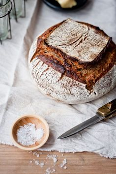 the smell of sourdough bread baking in the oven makes you want to grab a huge slab of old cheddar.and wait for the bread to come out of the oven. Art Du Pain, Vino Y Chocolate, Bread Recipes, Cooking Recipes, Cooking Tips, Scandinavian Food, Gula, Bread And Pastries, Sourdough Bread