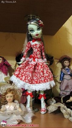 Красное платье с белыми кружевами для кукол Monster High | Monster High Club