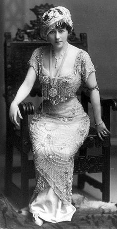 "Edna Wallace Hopper (1872-1959), an American actress on stage and in silent films, was known as the ""eternal flapper."""
