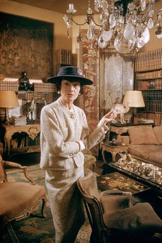 Here are 15 facts you didn't know about famous fashion designer, Coco Chanel. The brilliant designer has had her ups and downs. Eileen Gray, Karl Lagerfeld, Christian Dior, Balenciaga, Restaurant Discounts, Palais Galliera, Book A Hotel Room, Coco Chanel Quotes, Paul Poiret