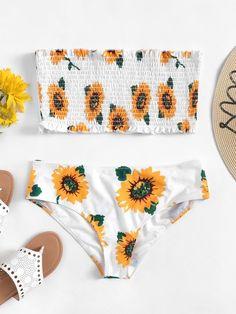 Shop Plus Random Flower Print Shirred Bandeau Bikini Set online. SHEIN offers Plus Random Flower Print Shirred Bandeau Bikini Set & more to fit your fashionable needs. Plus Size Bikini Bottoms, Women's Plus Size Swimwear, Summer Bathing Suits, Girls Bathing Suits, Cute Swimsuits, Cute Bikinis, Bandeau Bikini Set, Bikini Swimwear, Sexy Bikini
