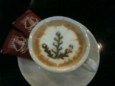 art of latte: leaves / plant