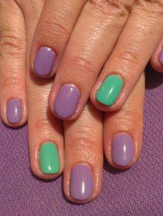 Uñas decoradas con esmalte permanente en tonos lila y turquesa  Más trabajos en http://www.facebook.com/patriciajimeneznails  #nails #nailart #nailpolish #uñas #manicura #manicure