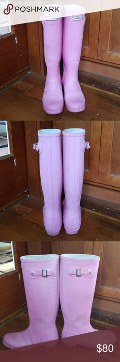 ☔☔Hunter Boots Matt Pink Tall Pre-owned condition. I wore this boots for fall and winter season past 2 years. The boots still in excellent condition but some white stuff start to pill off you can see from pictures. Open to trade with green color. Hunter Shoes Winter & Rain Boots