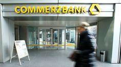Starker Gewinneinbruch: Commerzbank muss sich Kritik gefallen lassen